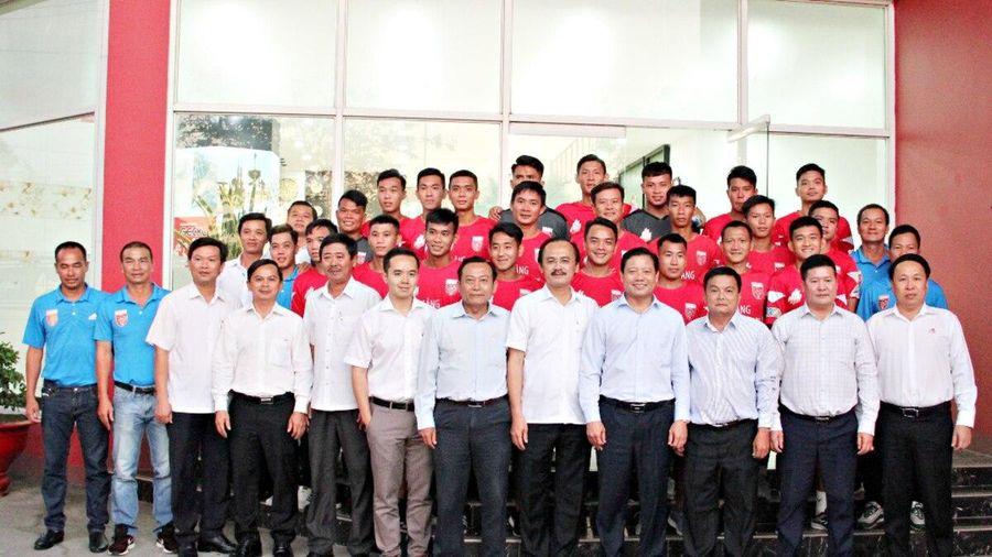 Lãnh đạo tỉnh cùng bầu Thắng đồng sức đồng lòng đưa CLB Long An trở lại V.League