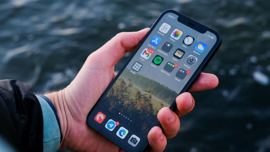 Lỗi khó hiểu khiến iPhone 12 hao pin bất thường, tụt pin nhanh chóng dù không sử dụng