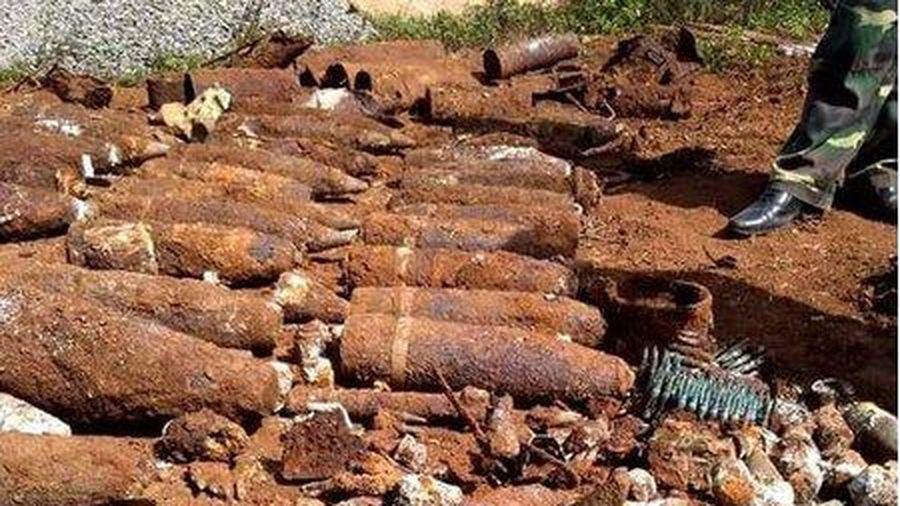 Lâm Đồng: Người dân phát hiện hơn 800kg vật liệu nổ khi đào móng nhà