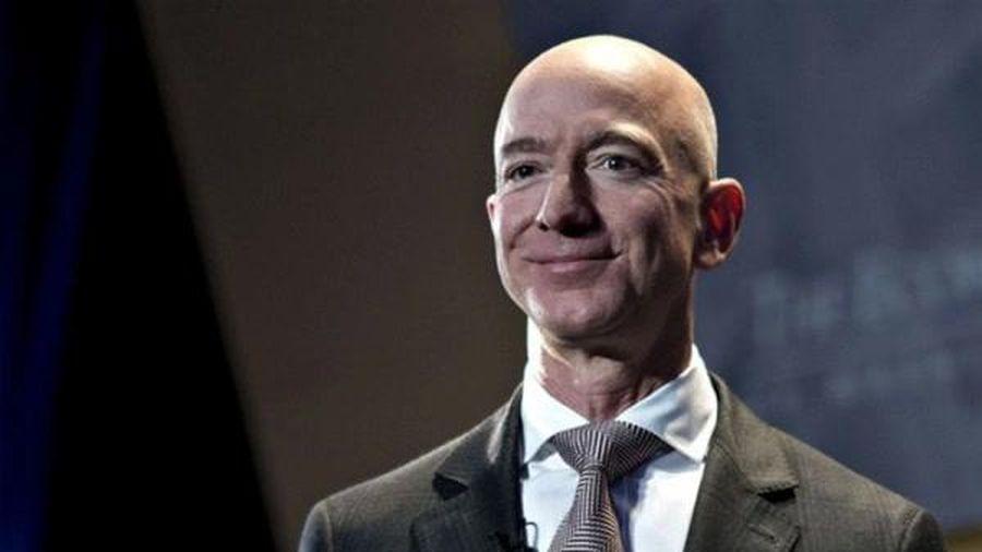 Tỷ phú Jeff Bezos tận hưởng những ngày cuối tuần như thế nào?