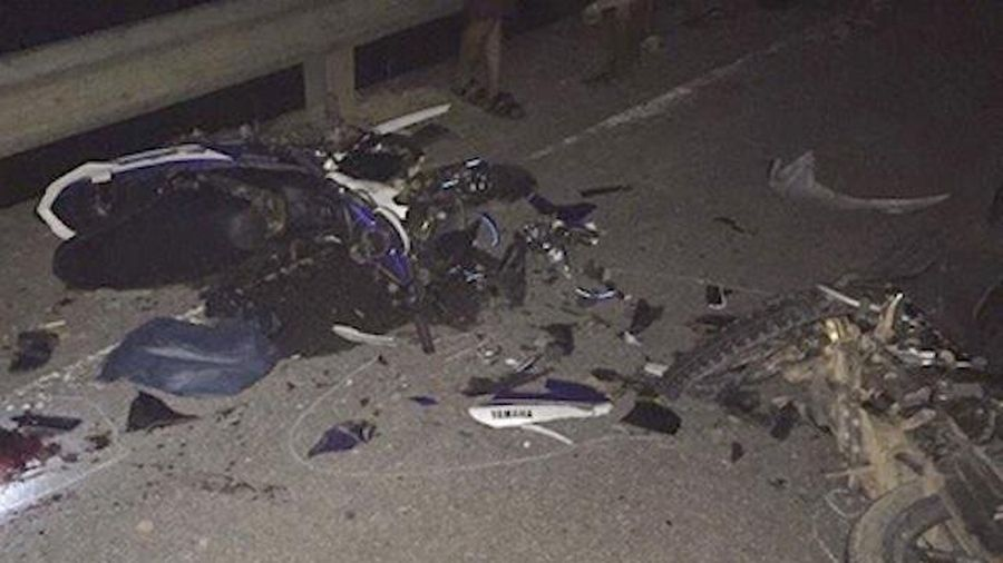 Xe máy đối đầu, 2 người tử vong
