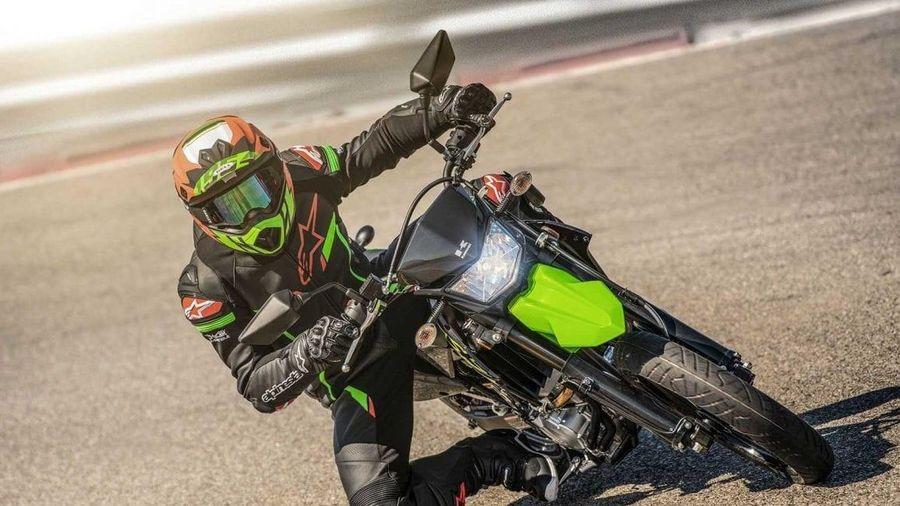 Kawasaki giới thiệu phiên bản mới của KLX 300 và KLX 300SM