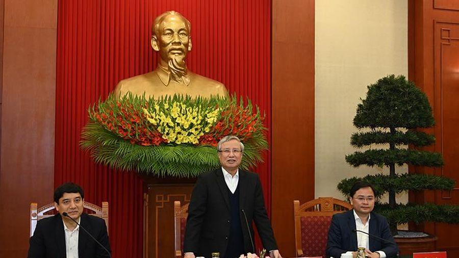 Đồng chí Trần Quốc Vượng gặp mặt 20 bác sĩ trẻ tiêu biểu
