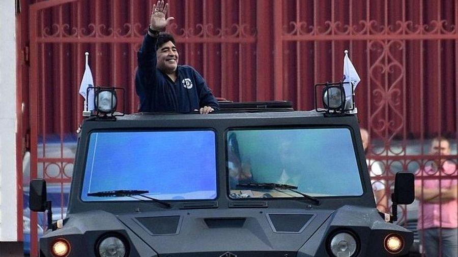 Các con Maradona đâm đơn ra tòa giành quyền thừa kế