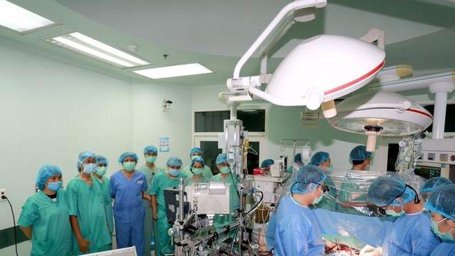 Ca ghép tim xuyên Việt hồi sinh người đàn ông đếm sự sống từng ngày