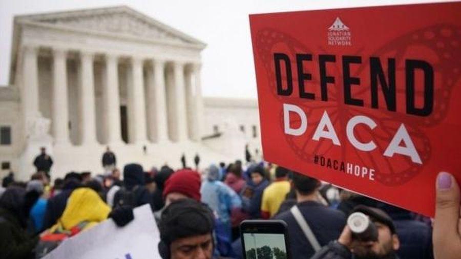 Tòa án yêu cầu chính quyền Tổng thống Trump khôi phục chương trình nhập cư thời ông Obama