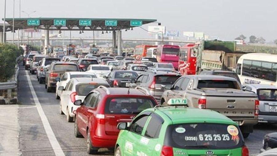 Lý do chủ xe ô tô vẫn chê thu phí tự động không dừng