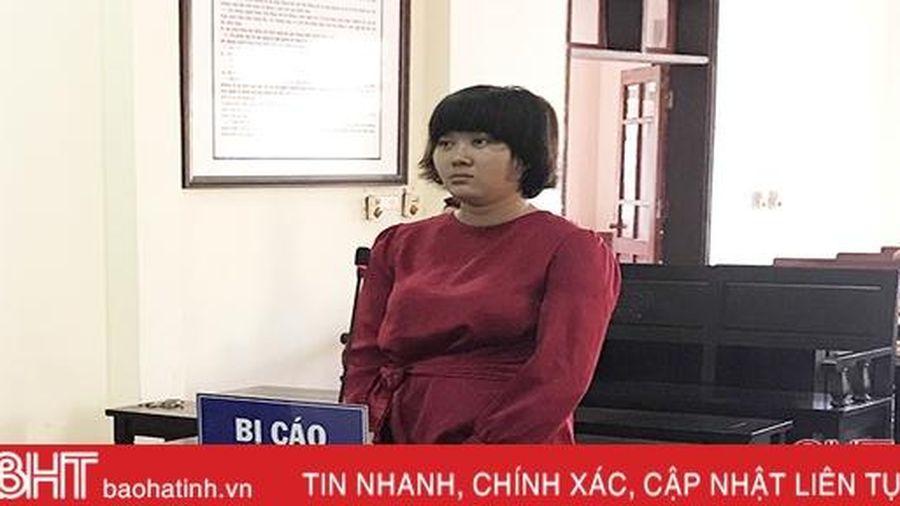 Hà Tĩnh: Người mẹ trẻ nghiện ma túy vào tù, bé trai 2 tuổi ở với ông bà ngoại