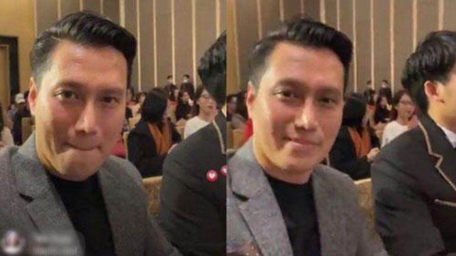 Netizen muốn 'ngã ngửa' vì nhan sắc của Việt Anh trên livestream