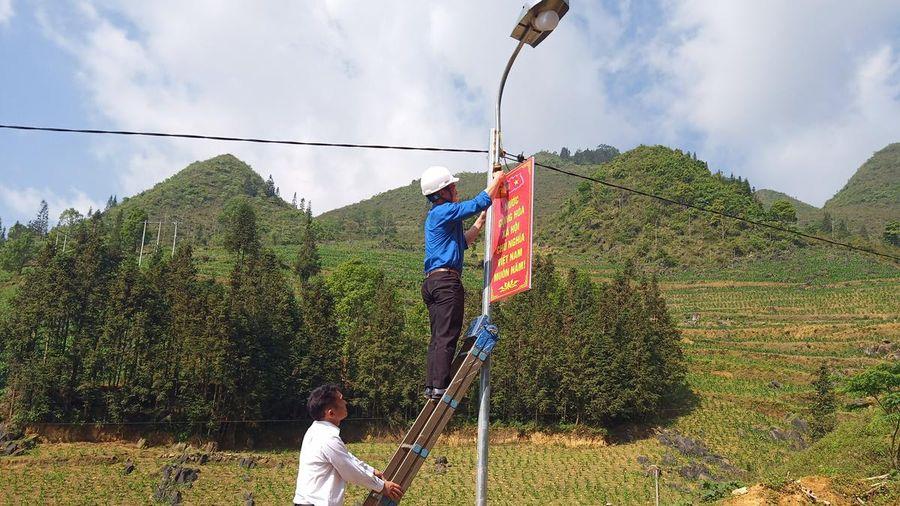 Lào Cai: Thắp sáng vùng cao Si Ma Cai