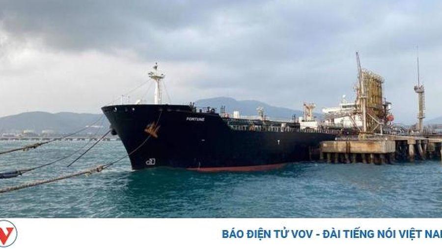 Đội tàu lớn nhất Iran đang trên đường vận chuyển nhiên liệu tới Venezuela