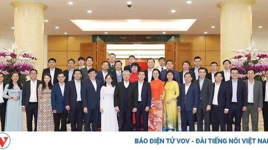 Thường trực Ban Bí thư Trần Quốc Vượng gặp mặt 20 thầy thuốc trẻ tiêu biểu