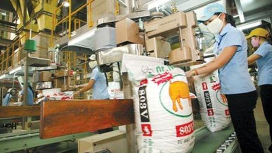 Doanh nghiệp ngoại chiếm lĩnh thị trường thức ăn chăn nuôi Việt Nam