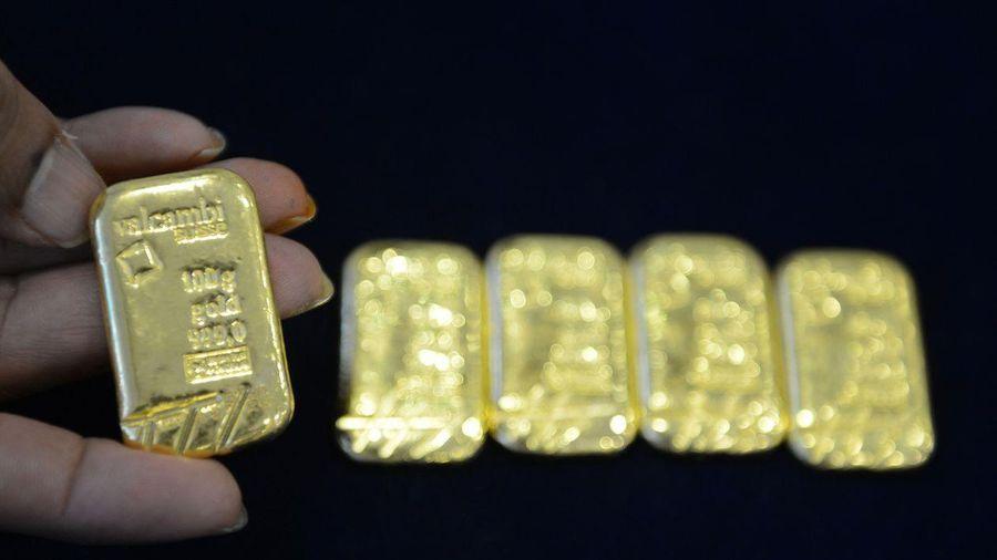 USD giảm sâu, giá vàng tiếp tục tăng mạnh