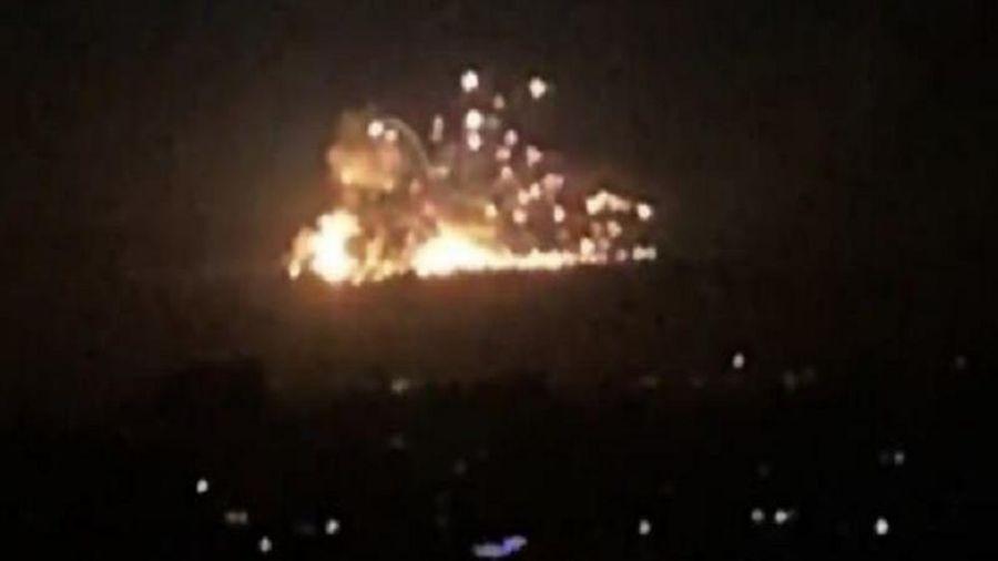 Israel lại không kích dữ dội Syria, hàng chục binh sĩ thương vong