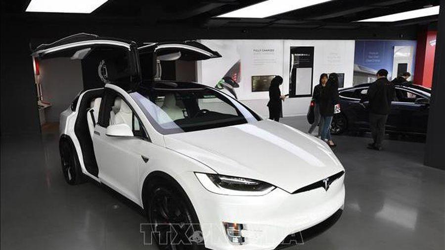 Mỹ yêu cầu hãng ô tô điện Tesla thu hồi hơn 158.000 xe