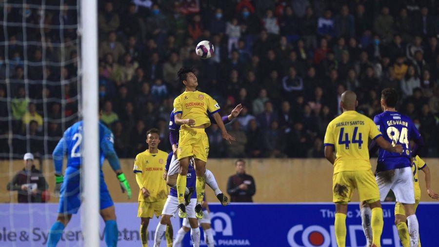 CLB Hà Nội FC bị 'đánh úp' vào lòng kiêu hãnh tại Thiên Trường