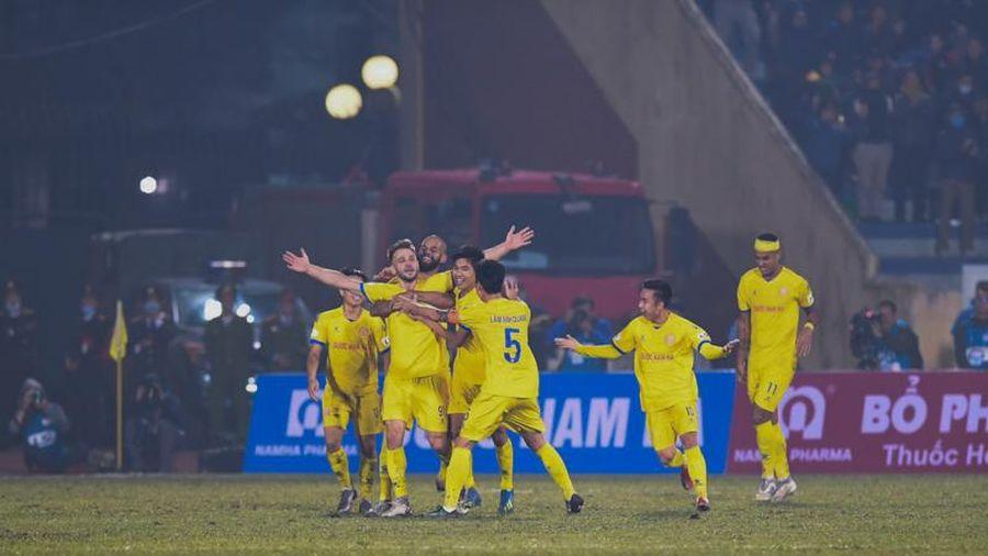 Nam Định đánh bại Hà Nội FC tại sân Thiên Trường