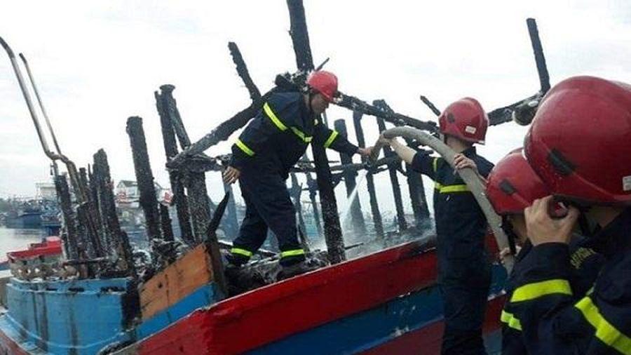 Quảng Ngãi: Cháy tàu cá trong đêm, thiệt hại gần 4 tỷ đồng