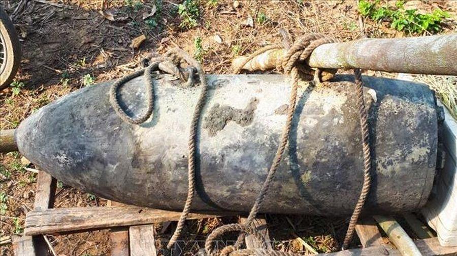 Một người dân cố tình tàng trữ quả bom nặng 130 kg phát hiện trên rẫy