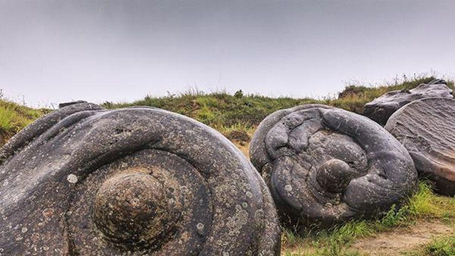 Vùng đất lạ có những viên đá 'mọc chân' biết tăng cân và chạy tung tăng