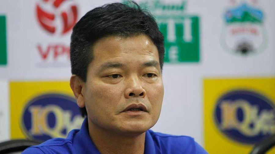 HLV Nguyễn Văn Sỹ phản pháo ông Chu Đình Nghiêm: 'Khó khăn là chung của hai đội'