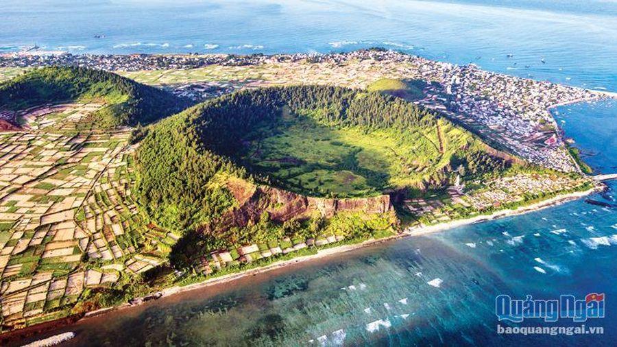 Độc đáo di tích núi lửa cổ xưa