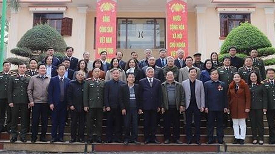 Công an tỉnh Yên Bái gặp mặt đội ngũ văn nghệ sỹ, trí thức có uy tín tiêu biểu