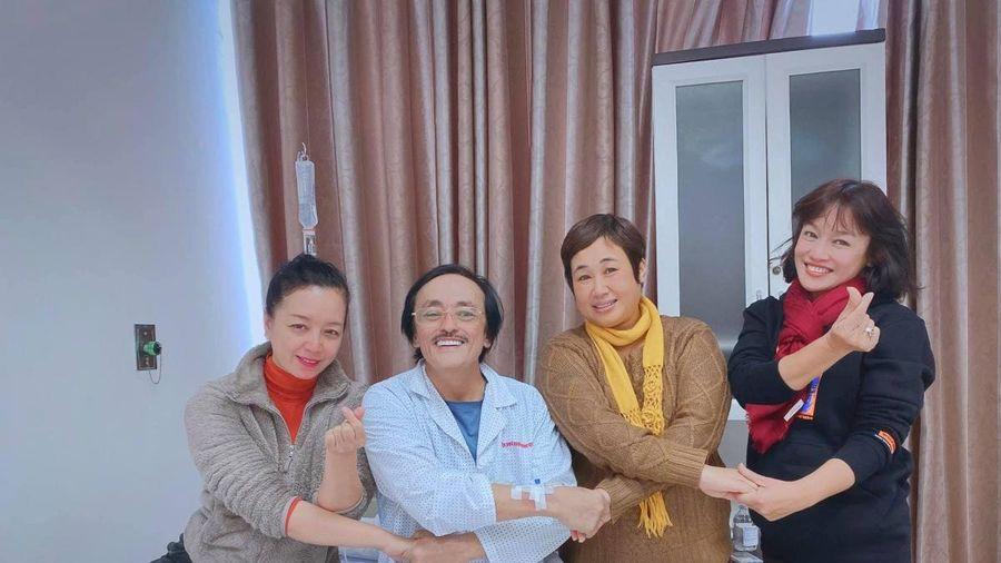 Nghệ sĩ Giang 'Còi' nhập viện vì nghi khối u ở họng