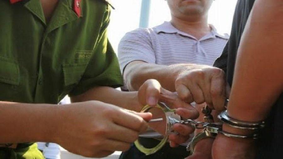1 viên chức thuộc Bộ TN&MT giả mạo trong công tác bị bắt