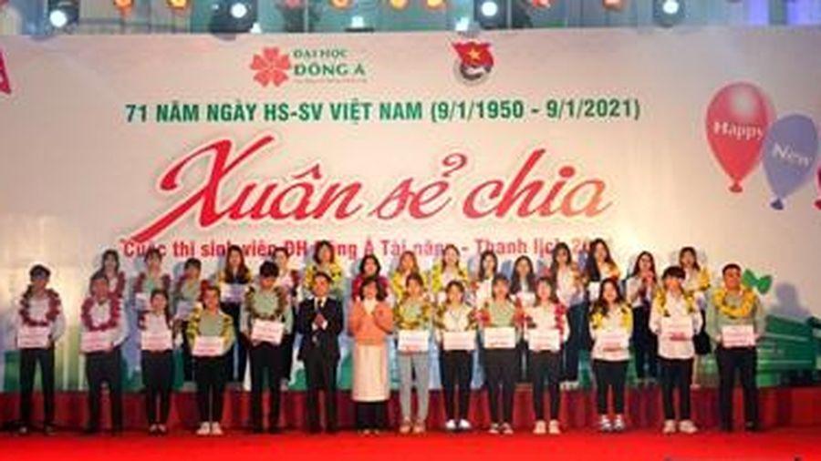 Tết mang 'Xuân sẻ chia' của sinh viên Đại học Đông Á