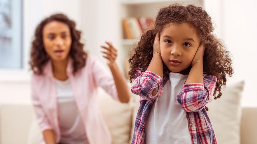 4 phương pháp dạy con độc hại cha mẹ nên tránh