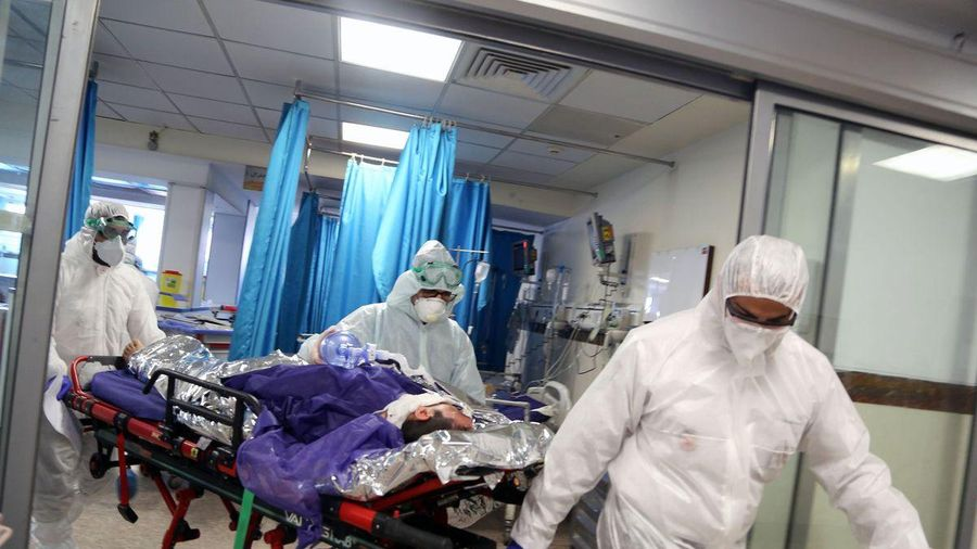 Bệnh nhân chờ 18 tiếng để vào phòng cấp cứu ở California
