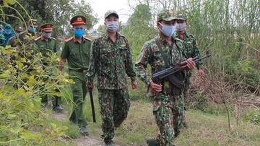 Bắt 4 người vượt biên trái phép từ Lào về Việt Nam