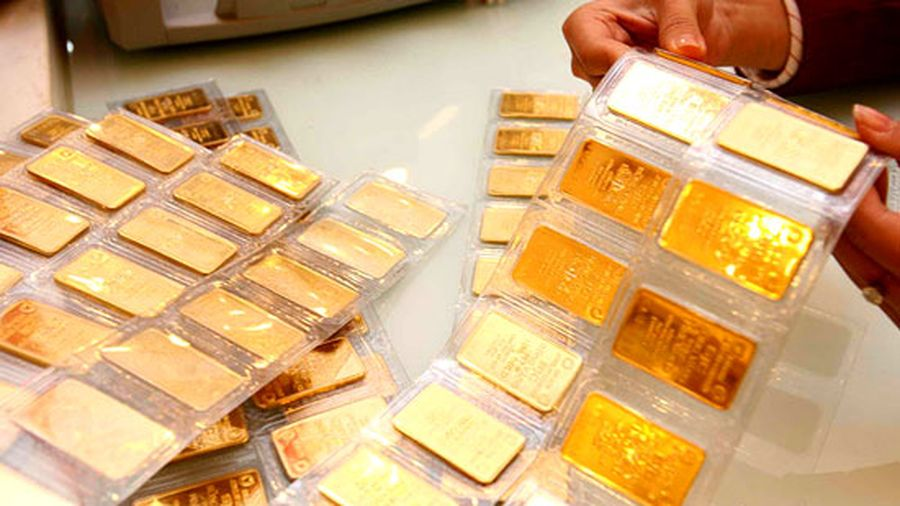 Giá vàng tiếp tục giảm sâu khi Mỹ tung gói hỗ trợ 'khủng'