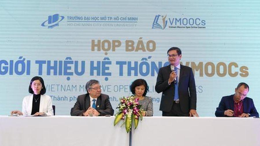 Báo Người Lao Động bảo trợ truyền thông cho VMOOCs