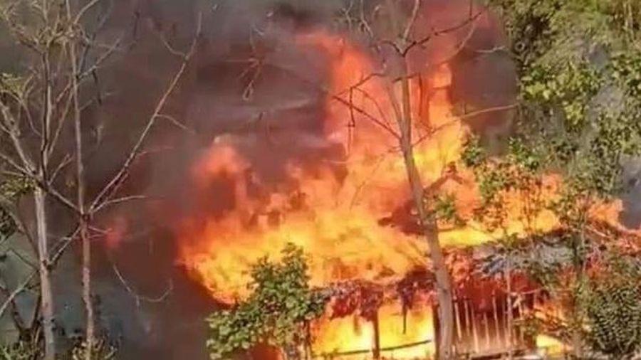 Yên Bái: Ngôi nhà bị thiêu rụi do chập điện
