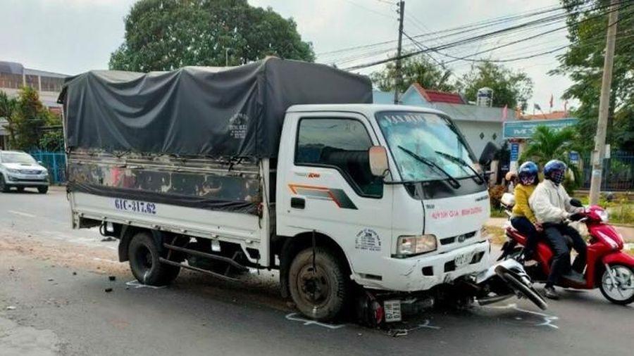 Tài xế xe tải ngủ gật, tông 5 học sinh và 1 người dân bị thương