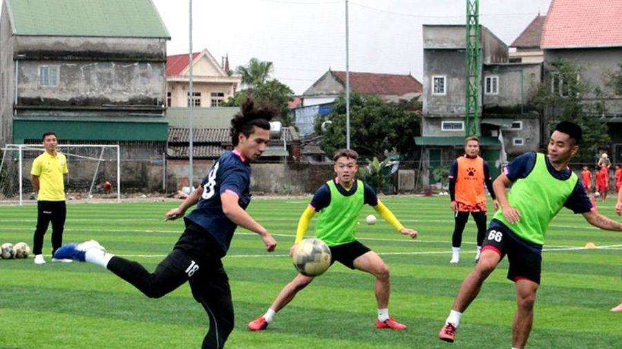 Khai màn V.League 2021: Hồng Lĩnh Hà Tĩnh quyết có điểm trước Than Quảng Ninh