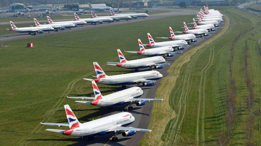 Anh siết chặt quy định nhập cảnh, các sân bay kêu gọi hỗ trợ khẩn cấp