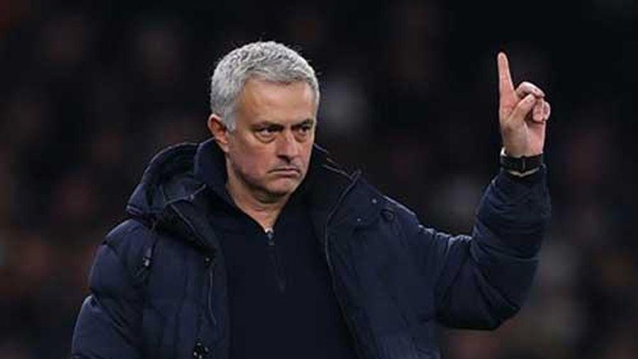 Mourinho phủ nhận dạy cầu thủ M.U kiếm phạt đền, không muốn giữ Bale