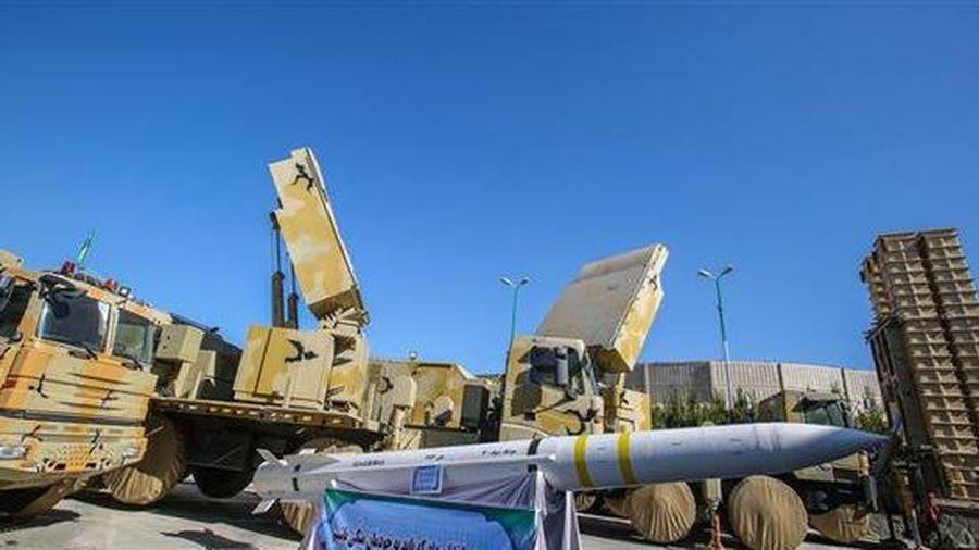 Iran muốn mua S-400 vì sự 'vô dụng' của Bavar 373