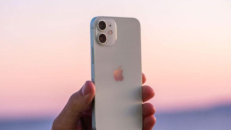 Trước Tết, iPhone 12 Mini giảm giá mạnh tại Việt Nam
