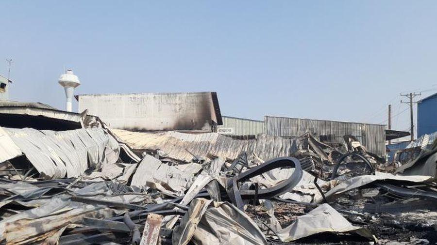 Đồng Nai: Cháy lớn tại xưởng đồ gỗ Triệu Vy, nhiều tài sản bị thiêu rụi