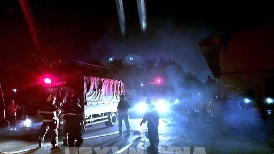 Tp Hồ Chí Minh: Cháy dữ dội tại phân xưởng may