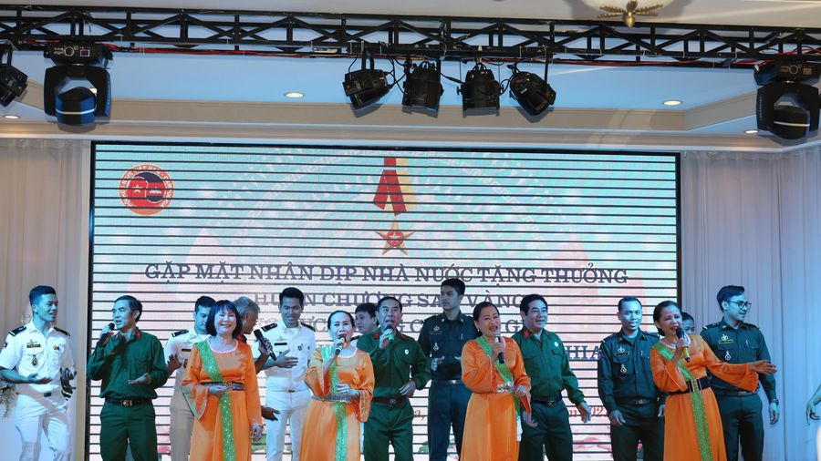 Gặp mặt cựu chuyên gia giúp đỡ tỉnh Stung Treng