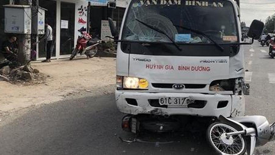 Tài xế ngủ gật, xe tải đâm nhiều học sinh bị thương
