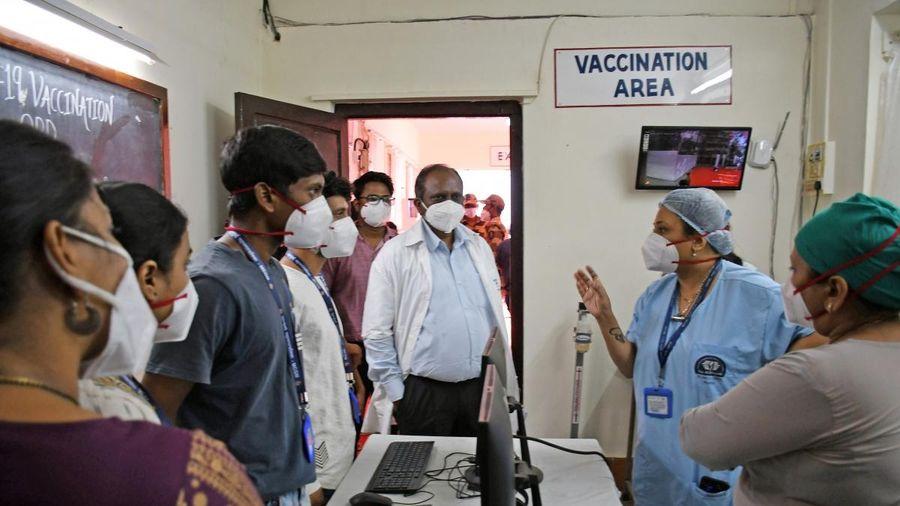 Ấn Độ bắt đầu chiến dịch tiêm chủng vaccine COVID-19