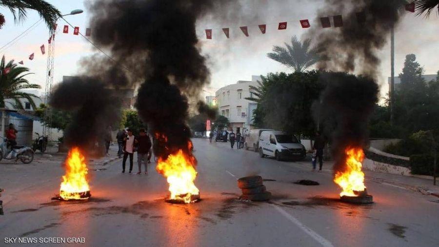 Biểu tình và bạo loạn ở Tunisia sau khi một người chăn cừu bị đánh đập