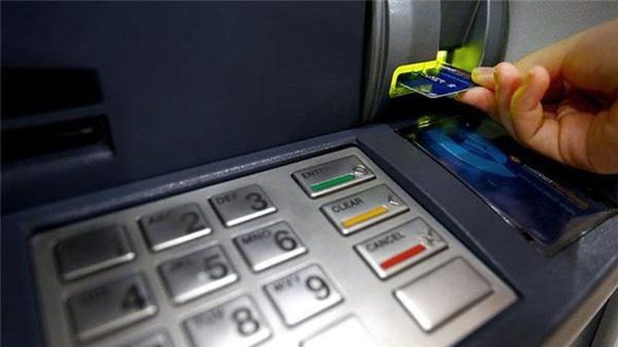 Chặn tội phạm qua hoạt động thẻ ngân hàng